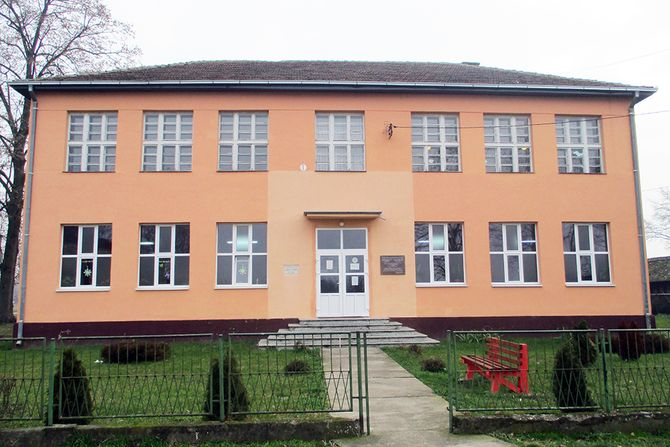 skola-u-glogovcu-670x447